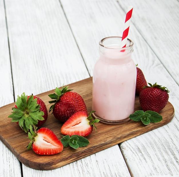Yaourt aux fraises fraîches