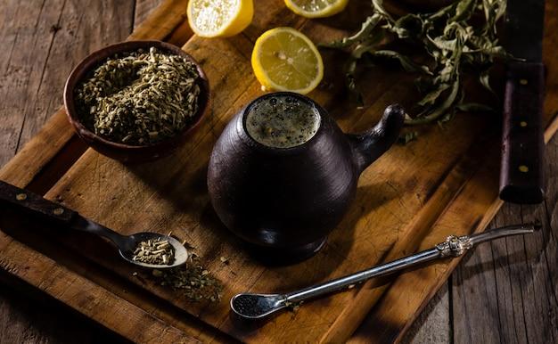 Yerba mate - tisane de boisson chaude d'amérique latine