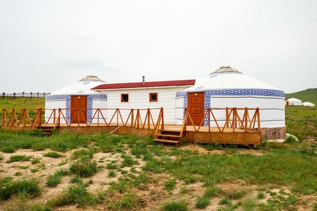 Yourte mongole traditionnelle en mongolie