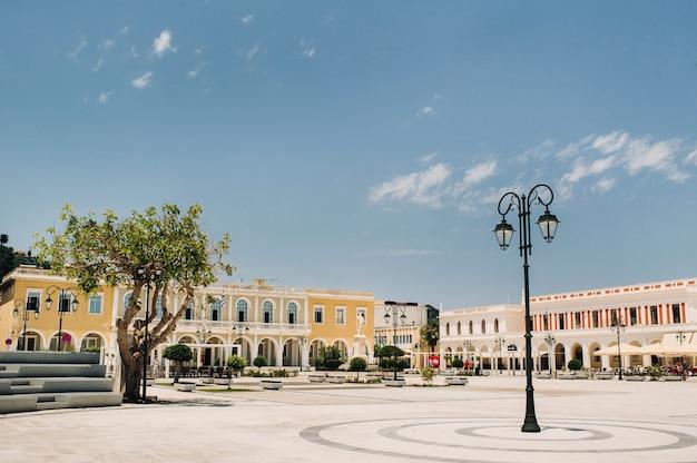 Zakynthos, la place principale de la vieille ville de zakynthos, grèce.île de zakynthos