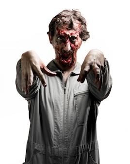 Zombie avec les bras levés