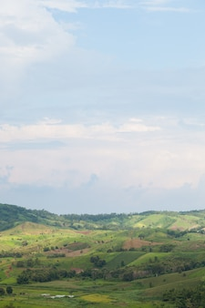 Zones agricoles dans les montagnes