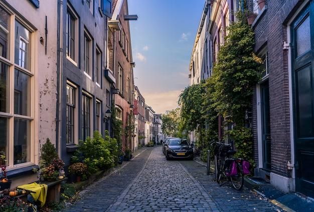 Zutphen, pays-bas - 3 novembre 2019: vieille ville de zutphen, l'une des plus anciennes villes des pays-bas