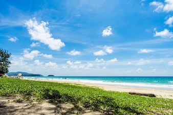 Belle mer. Plage de Karon, Phuket, Thaïlande