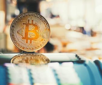 Bitcoin Golden cryptomonnaie sur machine à cartes de crédit.
