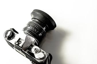 Caméra classique sur fond isolé