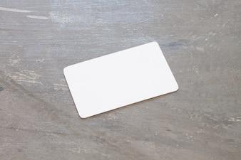Carte de nom sur fond gris