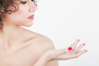 Close-up portrait de femme belle jeune spa isolée sur fond blanc