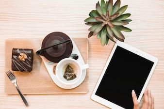Composition de tablette et service à thé