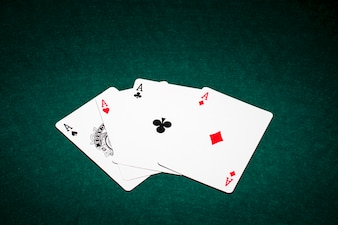 Composition moderne des cartes de poker
