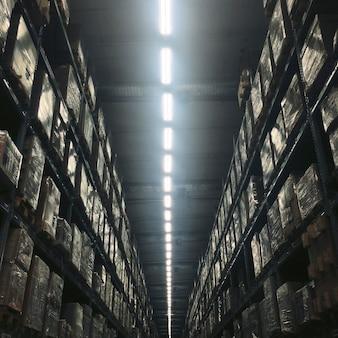Concept d'ampoule d'intérieur pour bâtiment d'entrepôt