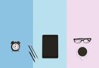 Concept de travail d'entreprise pour bureau moderne avec fond de couleur pastel avec espace de copie.