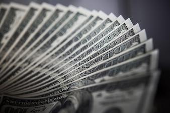Dollar Billie. argent fond