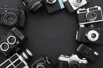 Ensemble de caméras photo rétro en cercle