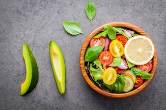 Le bol de salade végétalienne saine