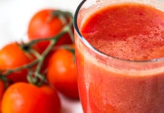 Macro jus de tomates fraîches