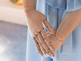 Mannequin mannequin dans Les projections de robe féminine.