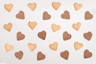 Motif en forme de coeur de biscuits de sucre. Délicieuse pâtisserie bio naturelle maison