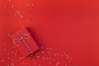Nouvel An ou fond de Noël présent rouge