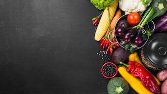 Récolte des pots et des légumes