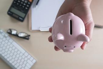 Retraite positive Économie d'argent du bonheur pour la retraite financière