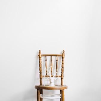 Statue de Rennes sur une chaise