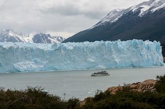 Tour en bateau près du glacier Perito Moreno, Lac Argentino, Parc National Los Glaciares, Province de Santa Cruz