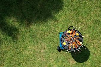 Vue aérienne, de, barbecue, steaks, sur, les, charbon charbon