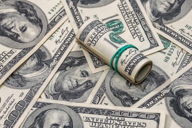 Banconote da 100 dollari come per il design