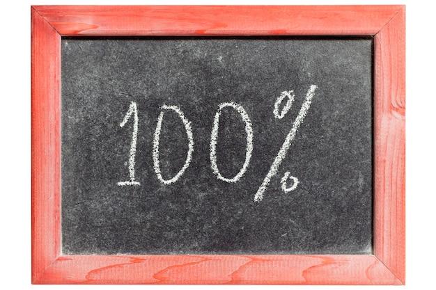 100 per cento scritto a mano sulla lavagna vintage isolata
