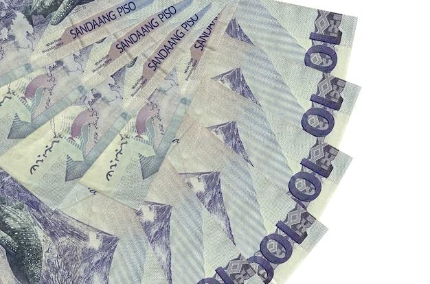 100 bollette piso filippine si trova sfondo isolato con spazio di copia