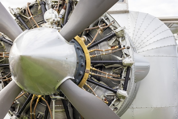 Motore aeronautico radiale a 18 cilindri raffreddato ad aria