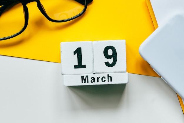 19 diciannovesimo giorno del mese di primavera del calendario marzo.