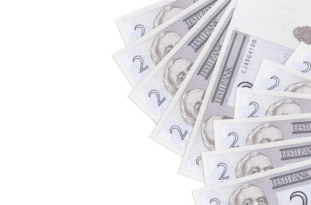 2 banconote in corone estoni si trovano isolate sul muro bianco con spazio di copia. . grande quantità di ricchezza in valuta nazionale