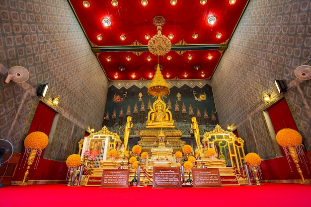 2 gennaio 2020 phichit, thailandia buddha uno dei buddha d'oro nel tempio thailandia