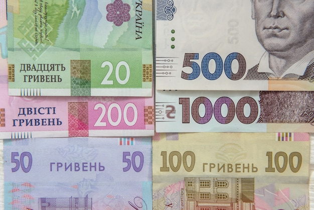 20 50 100 200 500 1000 nuova banconota. soldi ucraina. uah