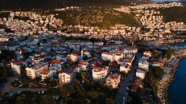 2020 giugno. adalia, turchia. vista panoramica del kas, antalya. la foto è stata scattata da dji mavic air 2.