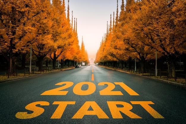 Viaggio di viaggio di nuovo anno 2021 e concetto di visione futura.