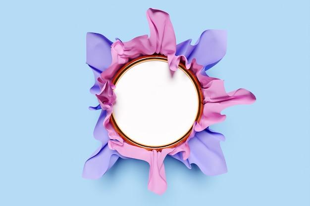 Illustrazione 3d di un mocap rotondo con cornice bianca in bella carta volumetrica rosa viola