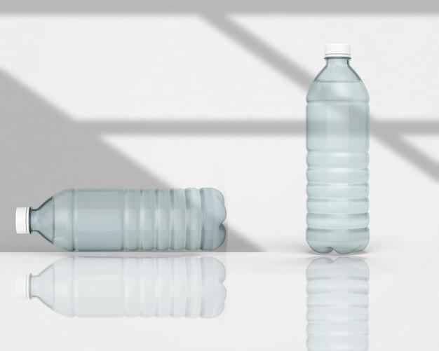 3d rendono la bottiglia di acqua minerale isolata su colore solido