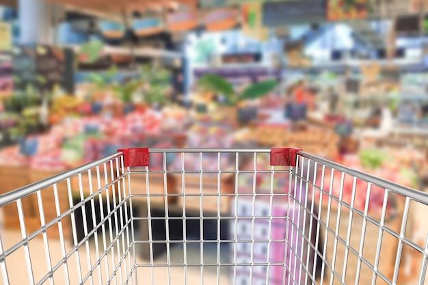 3d rendering carrello della spesa in supermercato