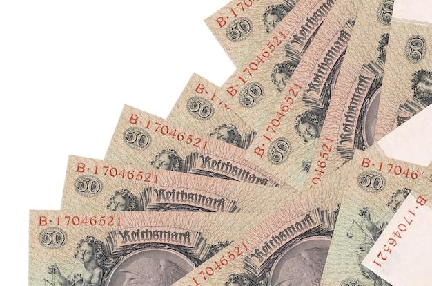 50 reich segna le bugie delle banconote in un ordine diverso, isolato su bianco