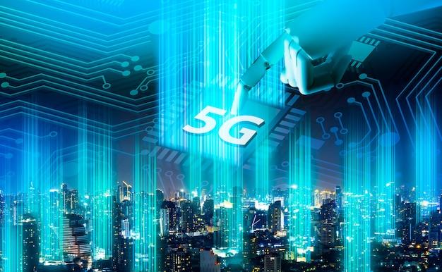 Ologramma digitale della rete 5g e internet delle cose sulla città Foto Premium