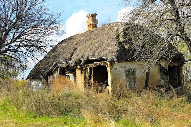 Casa rurale abbandonata in ucraina