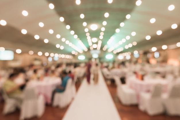Sfocatura dello sfondo astratto della priorità bassa della festa di nozze