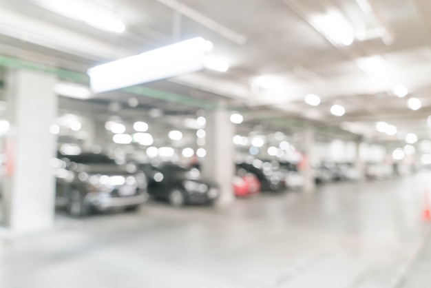 Sfocatura astratta in auto di parcheggio