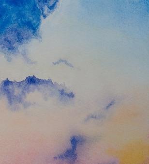 Priorità bassa variopinta astratta dell'acquerello del cielo crepuscolare. arte della pittura disegnata a mano.