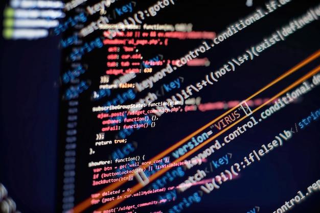 Script di computer astratto su big data e database blockchain. codice di programmazione per sviluppatori software. mining programma di processo di criptovaluta sul pc display. utilizzo del software.