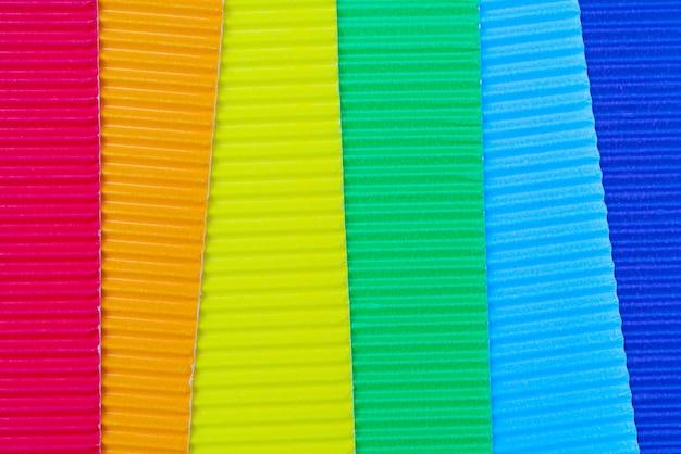 Sfondo astratto carta ondulata. texture ruvida carta decorativa.