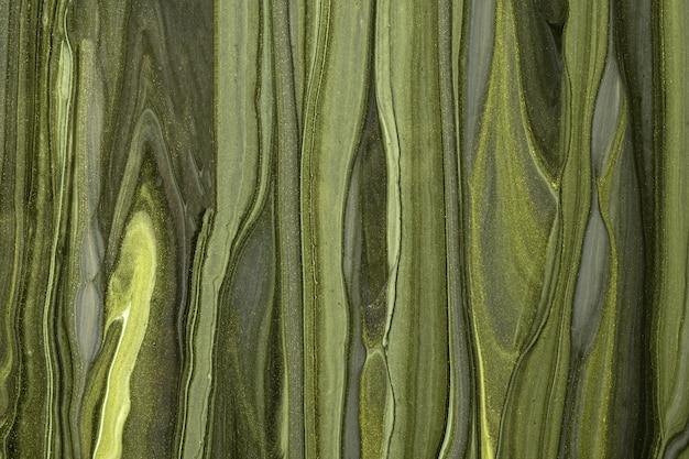 Astratto arte fluida sfondo verde scuro e colori verde oliva. marmo liquido. dipinto acrilico su tela con sfumatura kaki. sfondo acquerello con motivo ondulato glitterato. sezione di pietra.